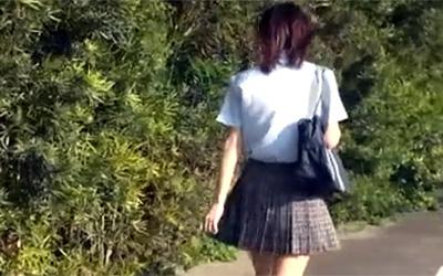 帰宅の瞬間を襲われた女子校生中出しストーキングレイプ